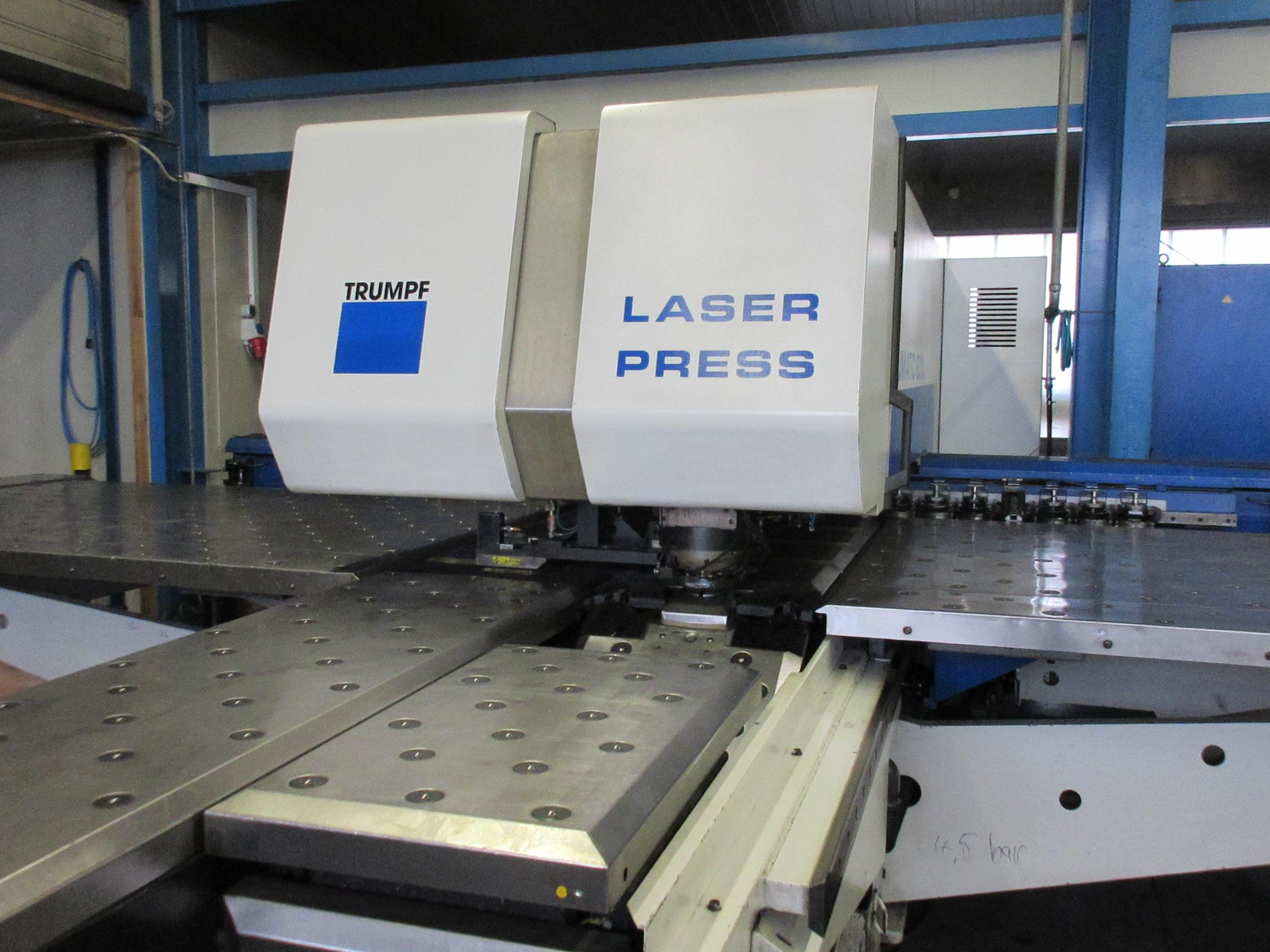 Kombi-Stanz-Laser Maschine Von Trumpf